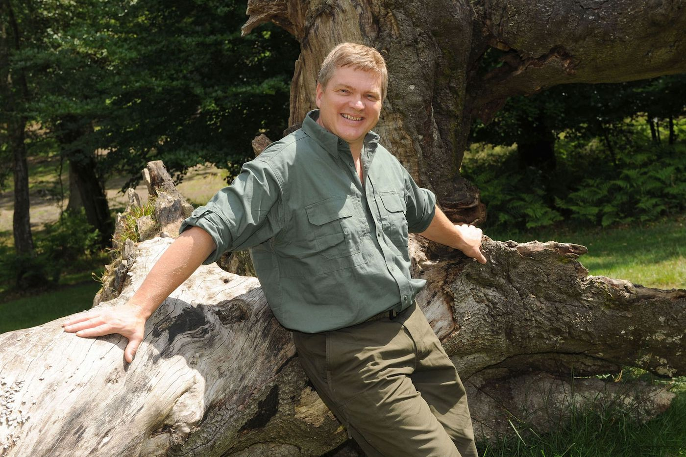 Ray Mears: At One with Wilderness